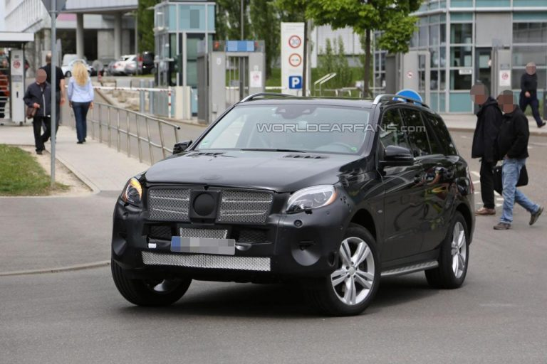 2015 Mercedes-Benz M-Class Spied With Minimal Disguise