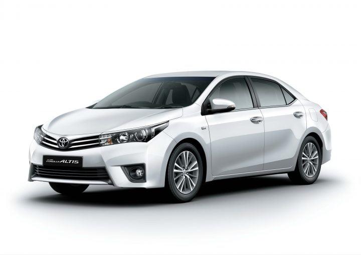20114 Toyota Corolla Front Left Quarter
