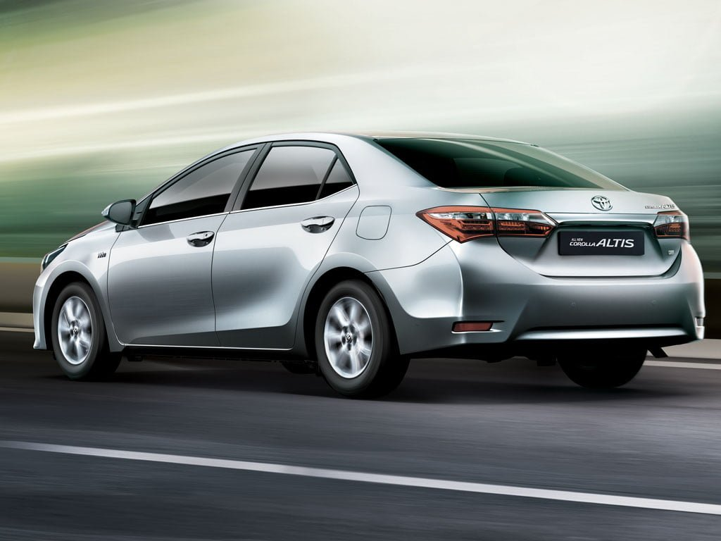 2014 toyota corolla altis launched in india details here. Black Bedroom Furniture Sets. Home Design Ideas