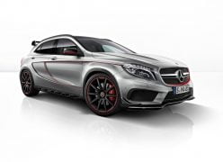 2015 Mercedes-Benz GLA45 AMG Front Right Quarter