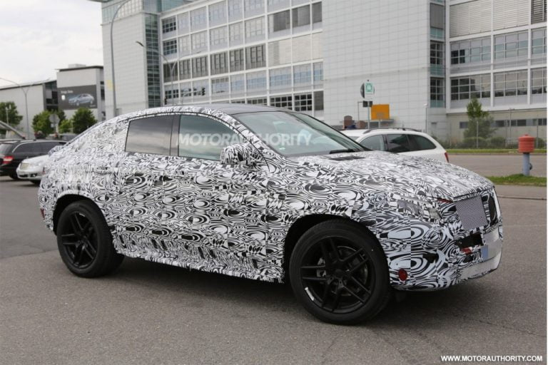 Updated: Mercedes-Benz ML Coupe Interiors Spied