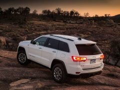 Jeep-Grand_Cherokee_India_Rear