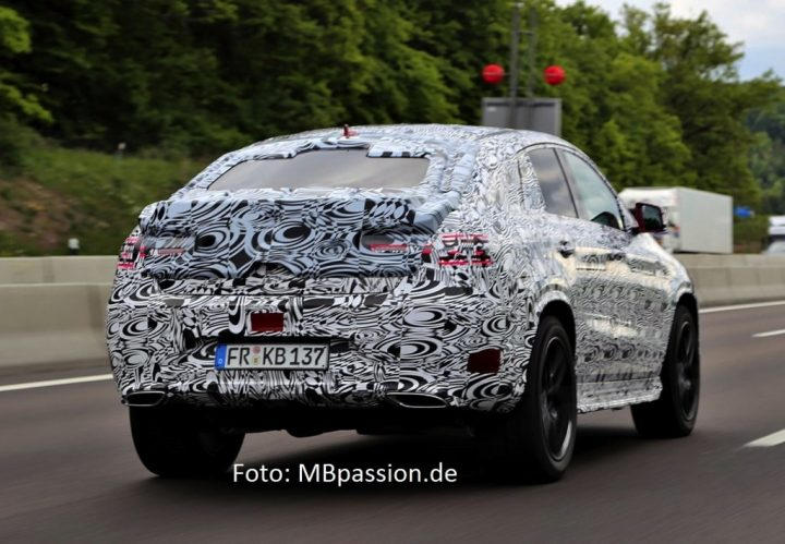 Mercedes-ML-Coupe-rear-three-quarters-spyshot-Germany-1024x710