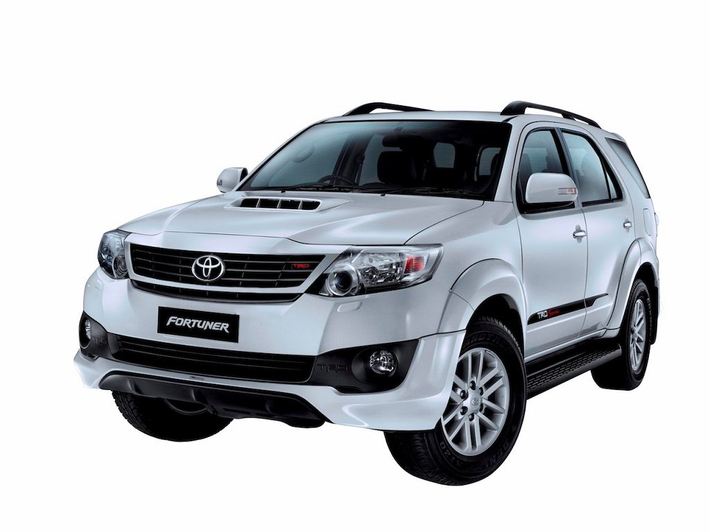 Toyota Fortuner 2.5 TRD Sportivo prices, specification, images