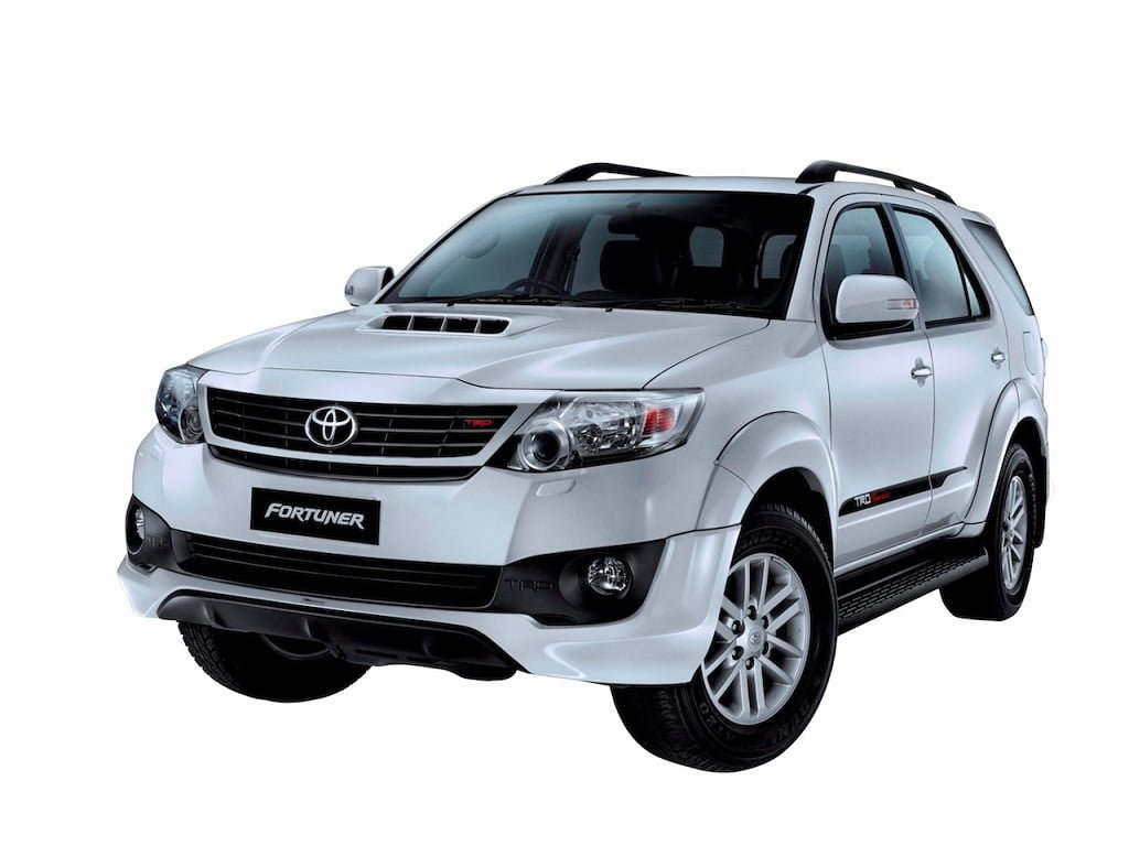 toyota fortuner 2 5 trd sportivo prices specification images. Black Bedroom Furniture Sets. Home Design Ideas