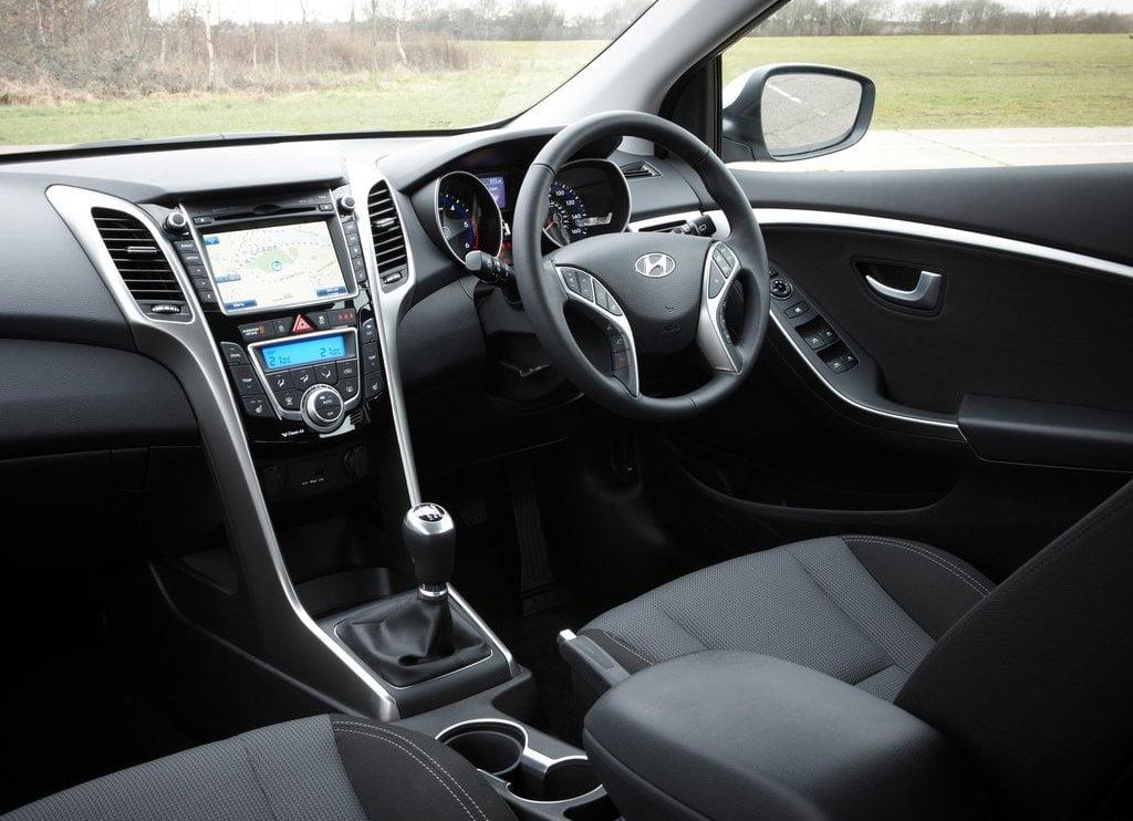 2013 hyundai i30 interior front cabin passenger seat view carblogindia. Black Bedroom Furniture Sets. Home Design Ideas