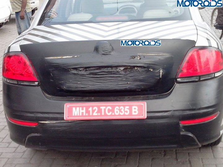 2014-Fiat-Linea-base-variant-spied-rear