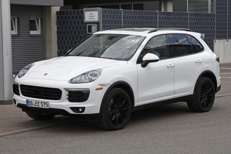 Porsche Cayenne facelift spied