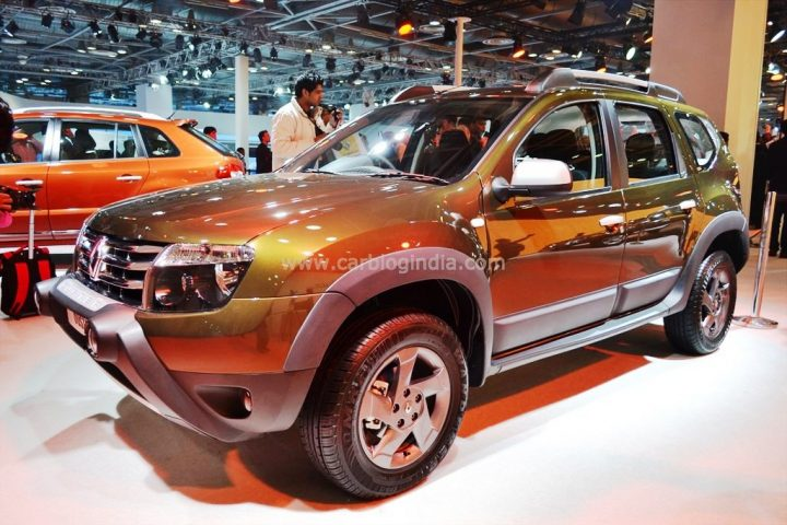 Renault Duster Adventure RxL 110 BHP Front Left Quarter