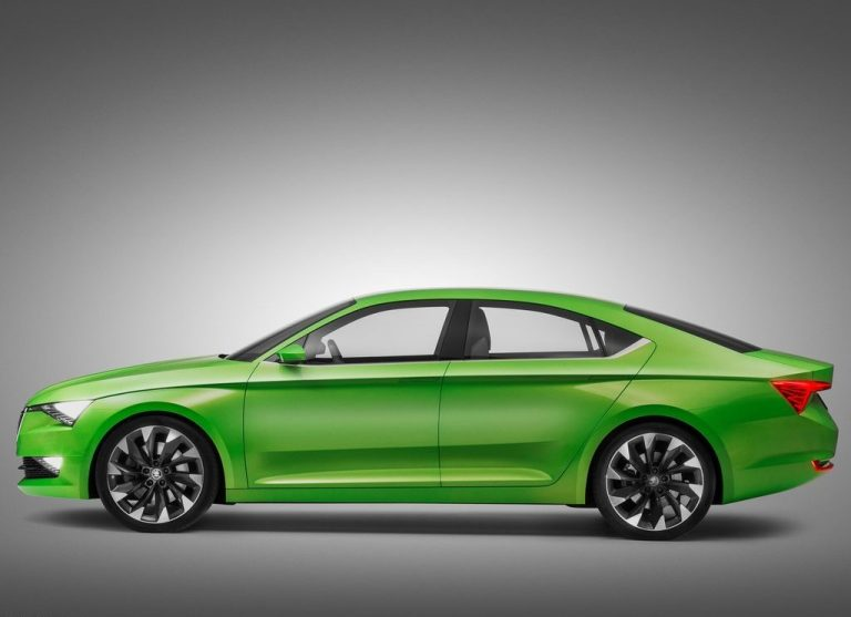New Skoda Superb Coming In March 2015
