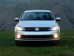 Volkswagen-Jetta_2015_India_Front_2