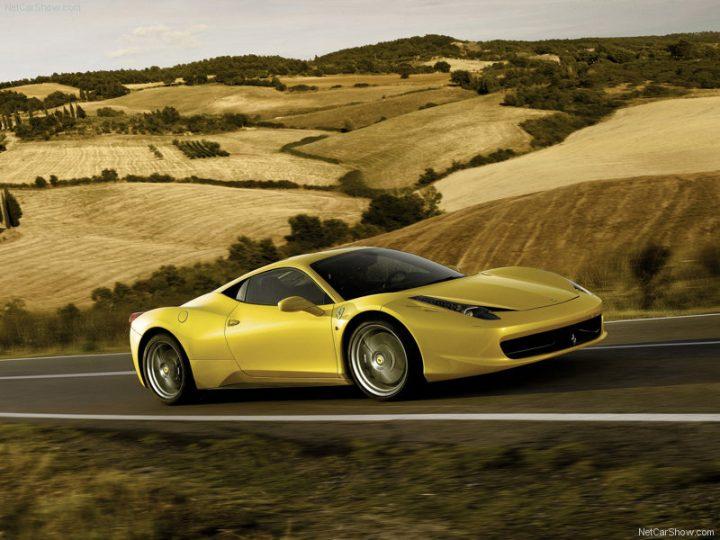 Ferrari-458_Italia_2011_800x600_wallpaper_02