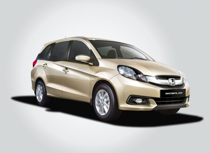 Honda Mobilio Front Right Quarter