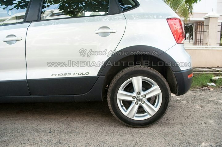 2014-VW-Cross-Polo-facelift-IAB-wheel