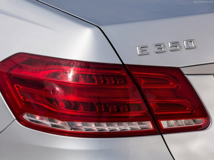Mercedes-Benz-E-Class_2014_1024x768_wallpaper_85