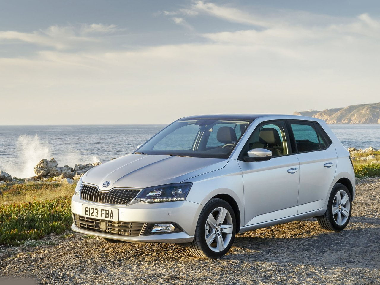 new skoda fabia india launch pics features price details. Black Bedroom Furniture Sets. Home Design Ideas
