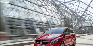 2015-Mercedes-B-Class-Front-Angle