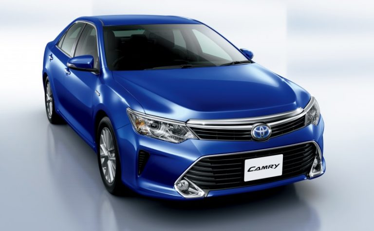 2015 Toyota Camry Facelift Hybrid Revealed; Details here