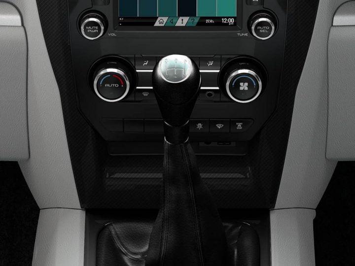 Mahindra Scorpio Facelift Interior Gearshift
