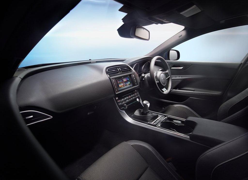 2016 jaguar xe interior front cabin passenger side view carblogindia. Black Bedroom Furniture Sets. Home Design Ideas