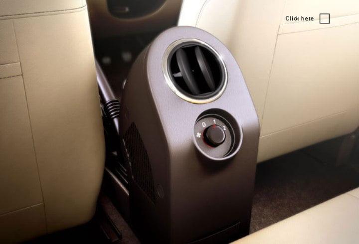 renault duster interior rear ac vent carblogindia. Black Bedroom Furniture Sets. Home Design Ideas