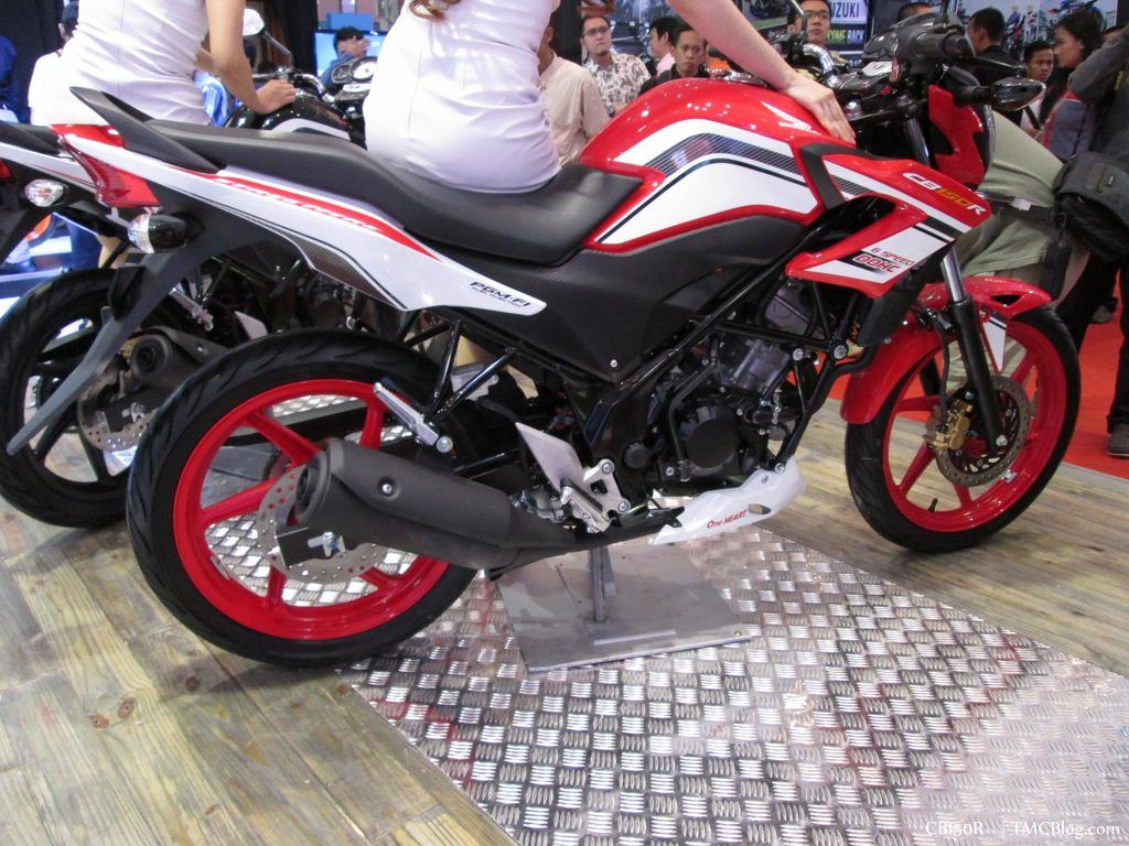 2014 honda cb 150r facelift revealed- will it come to india?