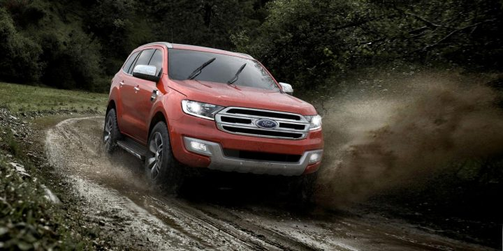 2015-Ford-Endeavour-10