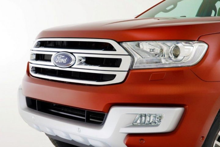 2015-Ford-Endeavour-18