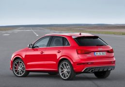 Audi-RS_Q3_2015_800x600_wallpaper_06