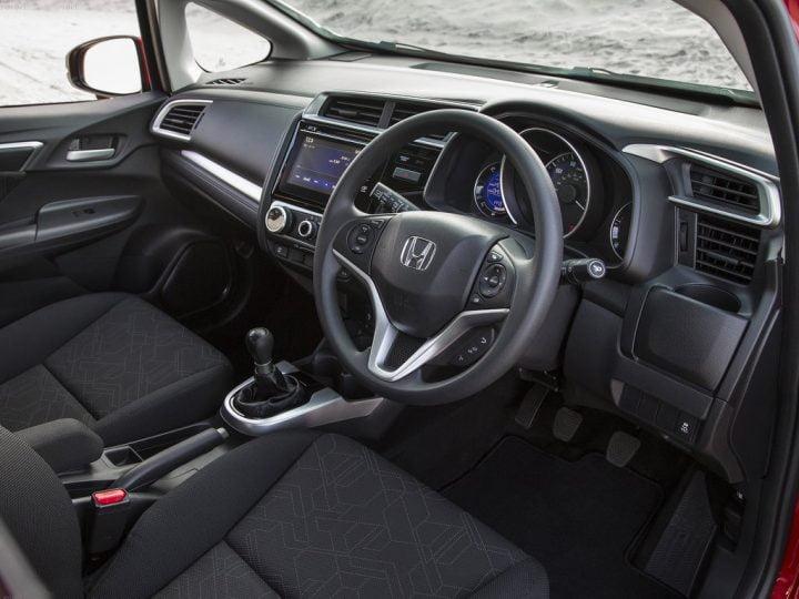 new-honda-jazz-india-interior-dashboard-2