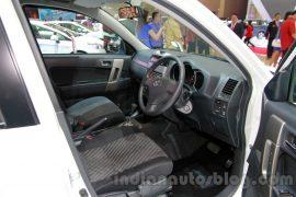 toyota-rush-sportivo-interior-front-seats