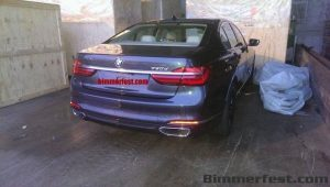 2016-BMW-7-Series-rear