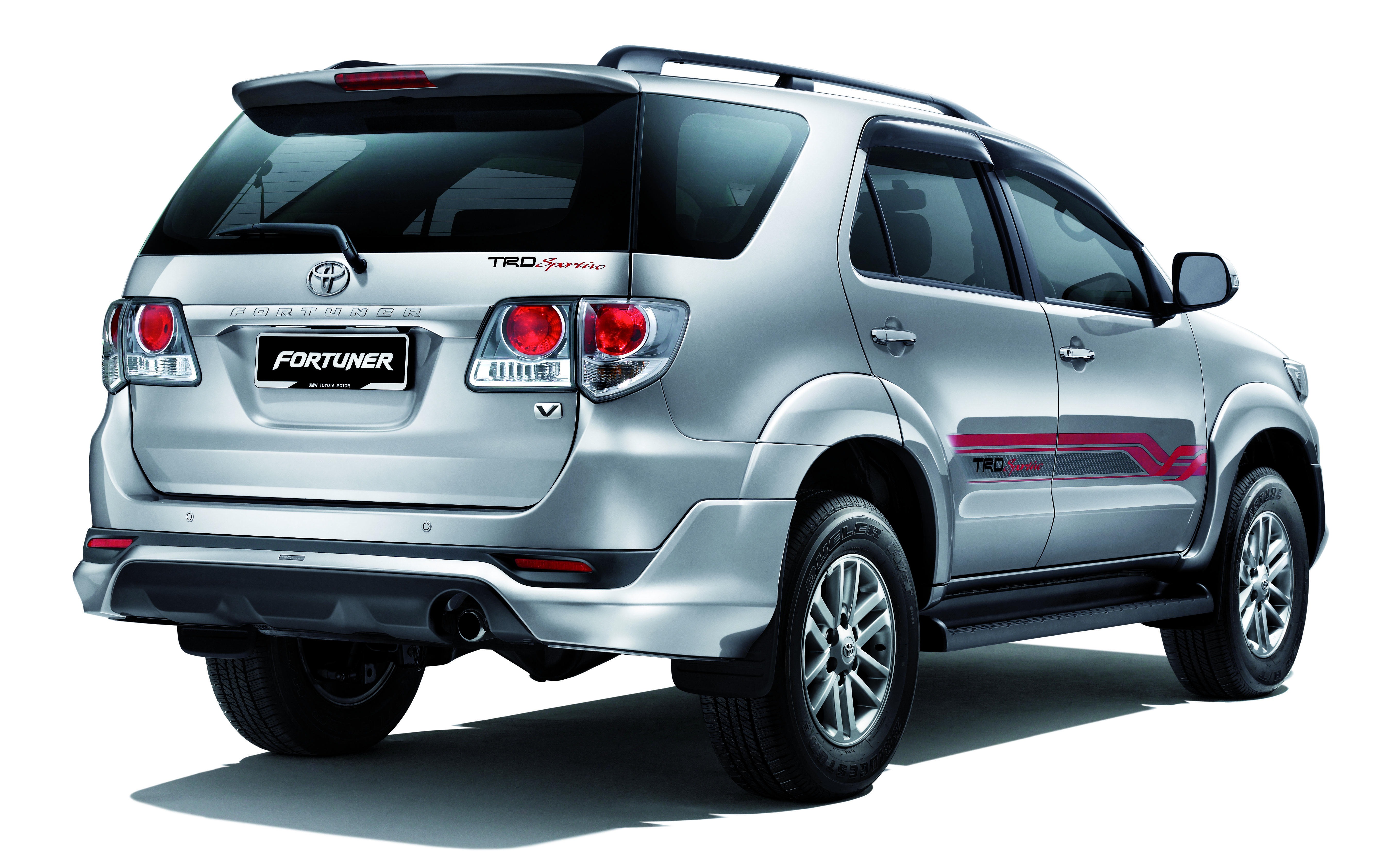 toyota-fortuner-2.5-trd-sportivo-rear - carblogindia