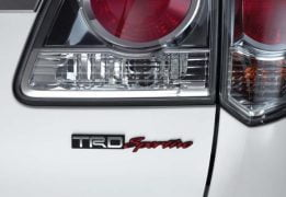 toyota-fortuner-2.5-trd-sportivo-taillamp