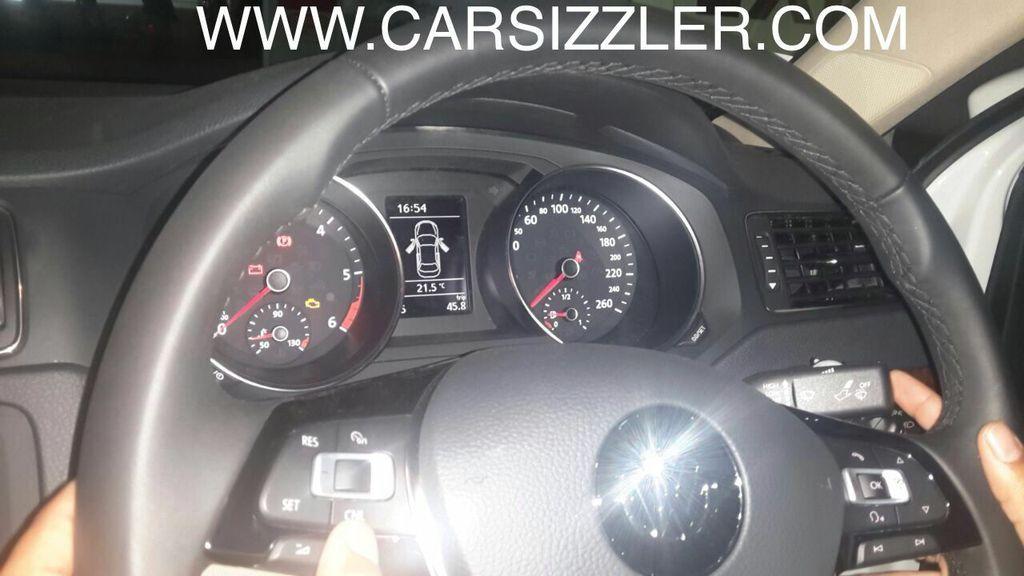 2015 Model Volkswagen Jetta Pics Interior Carblogindia