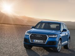2016-audi-q7-front-angle-official-pics-1