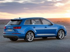 2016-audi-q7-rear-angle-official-pics-1