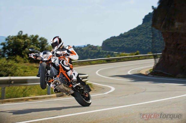 KTM-Duke-390-Official-Pics-2