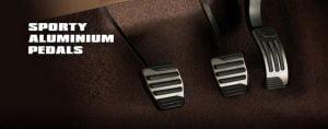 Mahindra-XUV500-Xclusive-edition-aluminium-pedals-pics