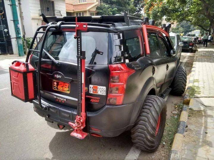 XUV500 INtrepid rear