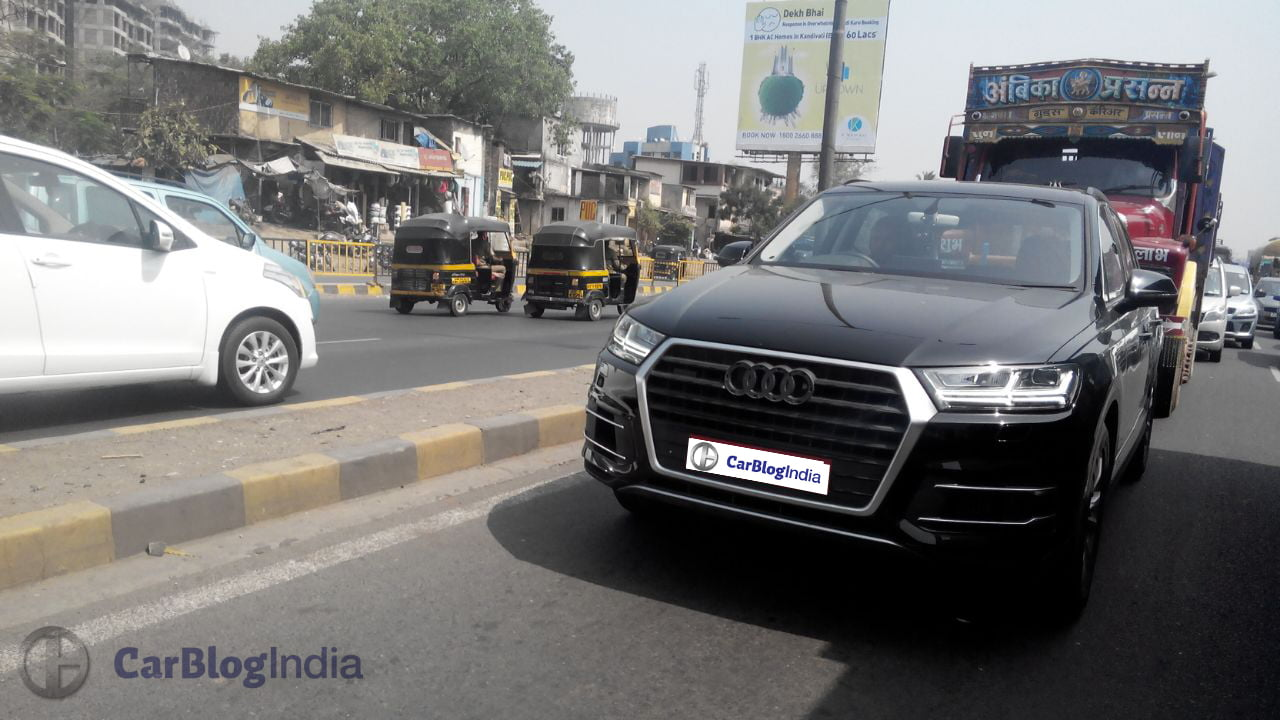 new-model-audi-q7-front-spy-pic - CarBlogIndia