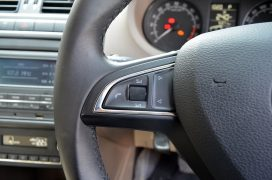 skoda-rapid-steering-audio-controls