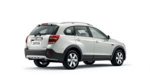 2015-model-chevrolet-captiva-pics-rear-quarter