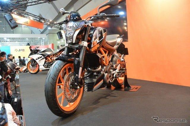 KTM-Duke-250-pics-front