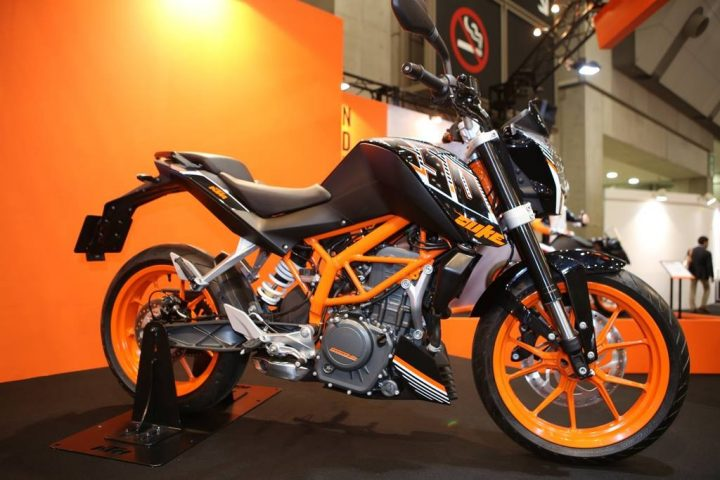 KTM-Duke-250-pics-side