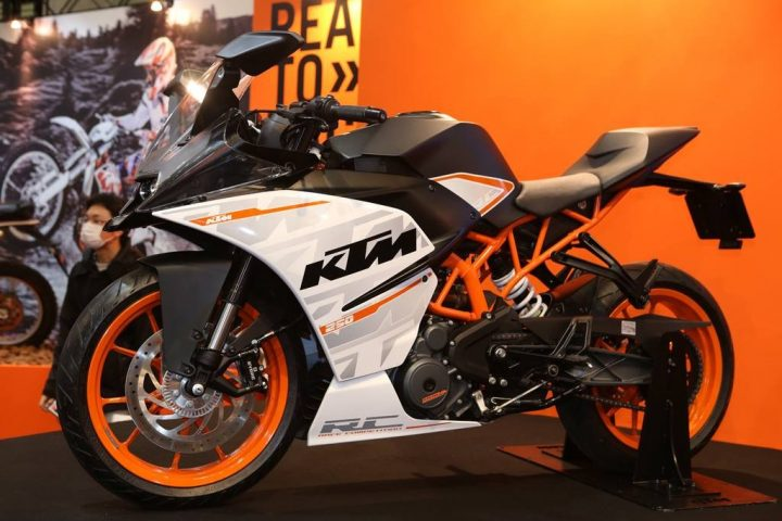 KTM-RC250-side-pics