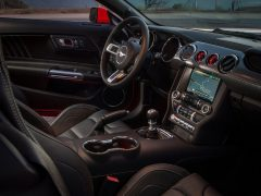 ford-mustang-ecoboost-pics-interior