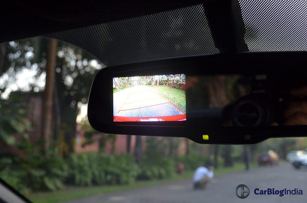 Hyundai I20 Active Features Reverse Camera Carblogindia