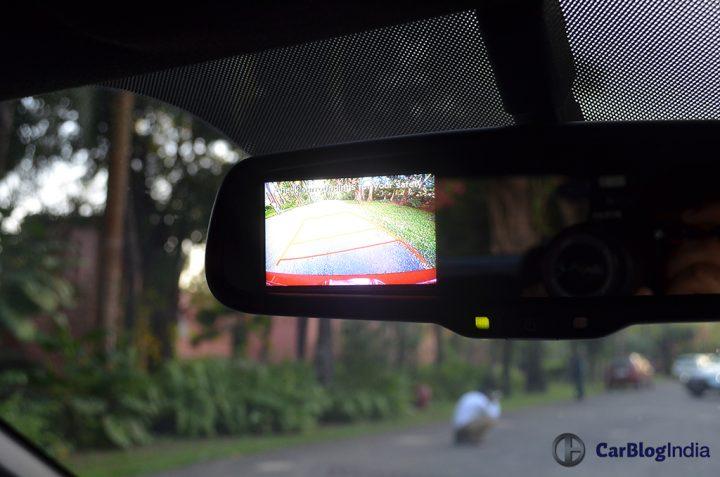 hyundai-i20-active-features-reverse-camera