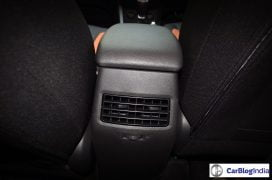 hyundai-i20-active-interior-rear-ac-vents